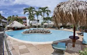 piscine hotel pagerie martinique