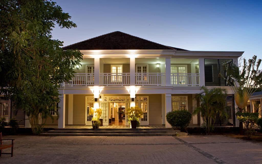hotel lux ile de la reunion 5 reunion avec voyages leclerc exotismes ref 16636 janvier. Black Bedroom Furniture Sets. Home Design Ideas