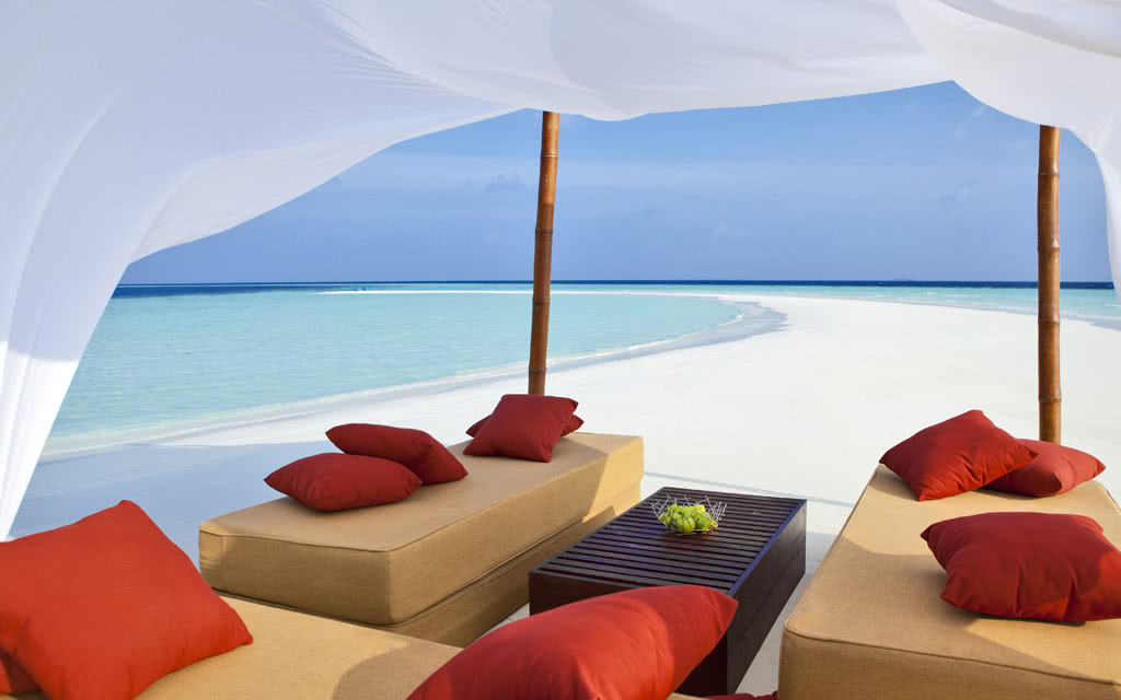 14 velassaru private sandbank