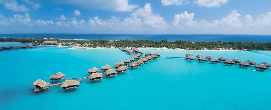 les 50 ans du bungalow sur pilotis de tahiti voyages en polyn sie. Black Bedroom Furniture Sets. Home Design Ideas