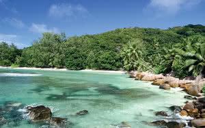 Anse Severe sur la plage de la Digue