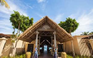 reception Hotel Sands Suites Resort & Spa