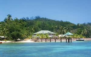 COMBINÉ 2 ILES : MAHÉ + PRASLIN L'Habitation Cerf Island + Berjaya Praslin 12 nuits