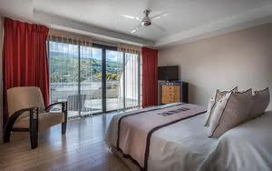chambre standard hotel manava suite resort