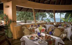 restaurant hotel sandals regency la toc