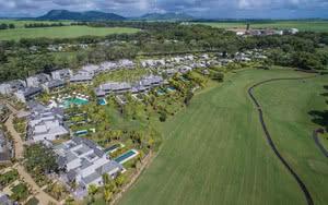vue aerienne golf et villa Hôtel Anahita The Resort