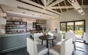 coffee shop Hôtel Anahita The Resort