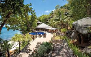COMBINÉ 2 ILES : MAHÉ + PRASLIN Cerf Island Resort + l'Archipel 12 nuits