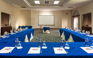 meeting room caraibes be live canoa hotel