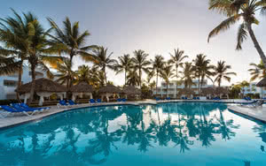 piscine hotel be live collection canoa