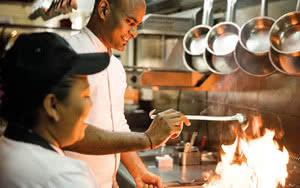 cuisine Hôtel Outrigger Mauritius Beach Resort