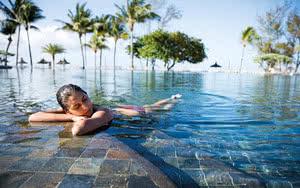 piscine Hôtel Outrigger Mauritius Beach Resort