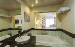 salle de bain junior suite de luxe luxury bahia principe fantasia