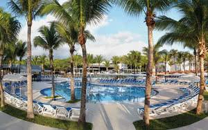 piscine hotel mexique