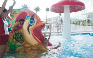 jeux piscine hotel riu playacar