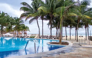 piscine hotel royal hideaway playacar