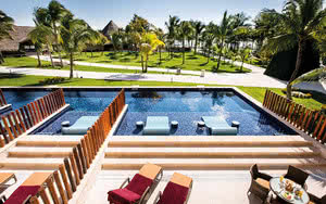 junior suite swim up premium level hotel barcelo maya grand resort
