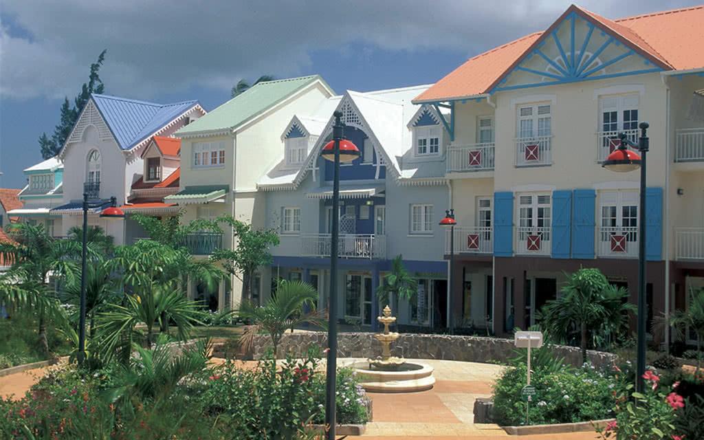 04-village-creole-placefon