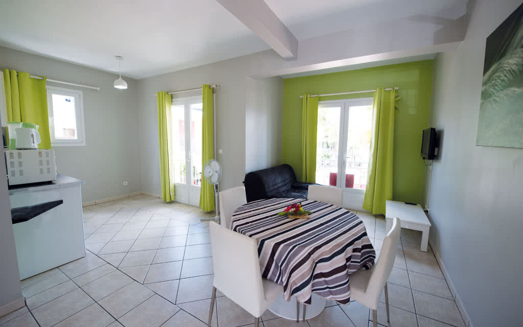 16-mq-villagecreole-room06