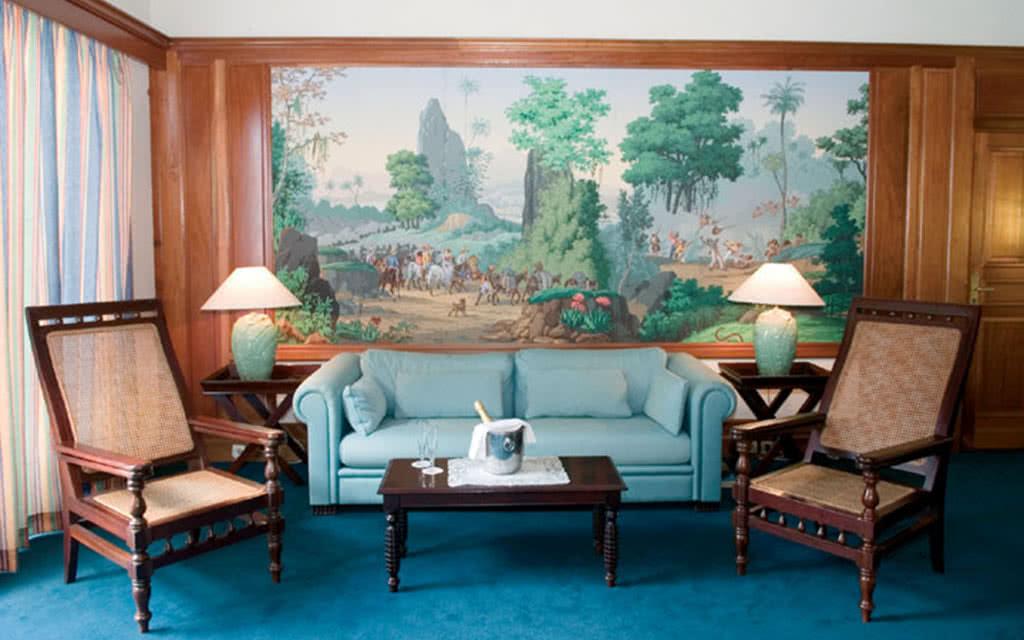 hotel la bateliere location de voiture incluse. Black Bedroom Furniture Sets. Home Design Ideas
