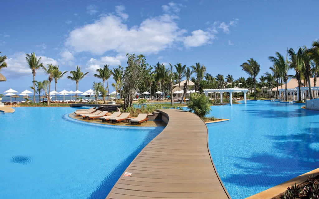 16-sugar-beach-panoramic-view-pool