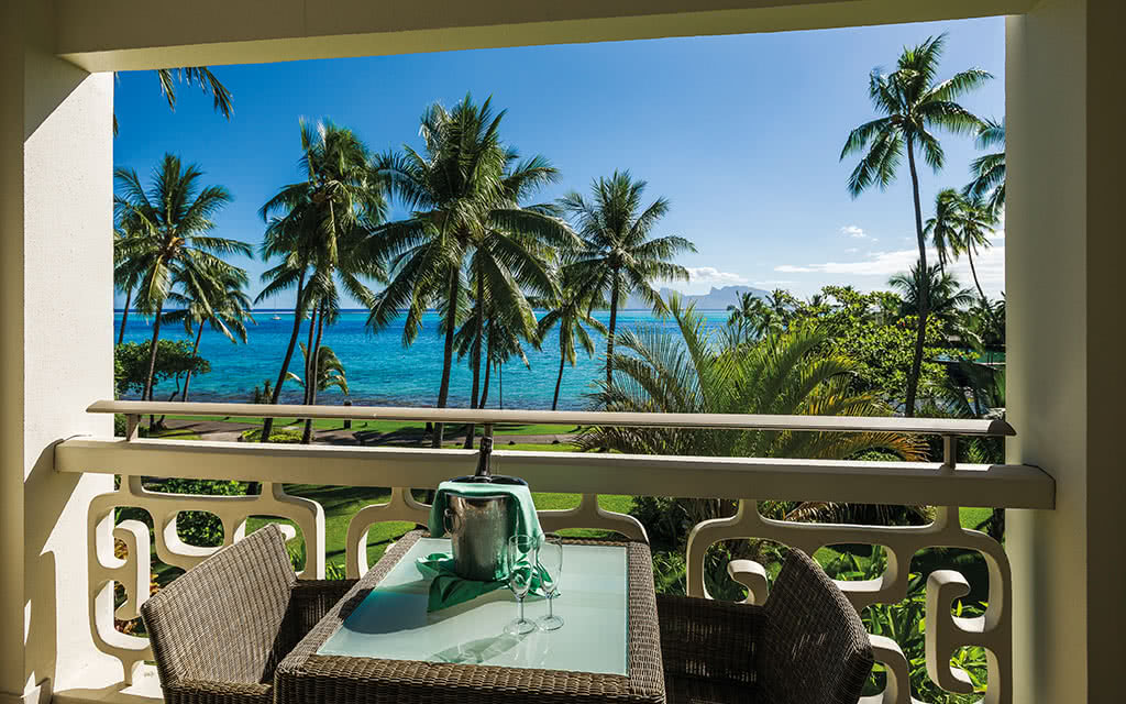 18-ic-tahiti-lagoon-view-room-45277691115-o