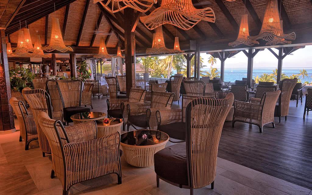 18-ic-tahiti-lobby-bar-terrasse-16665128740-o