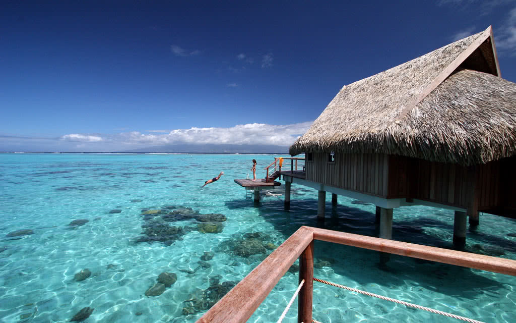 14-sofitelmooreaiaora-luxury-overwater-bungalows-(1)-hr