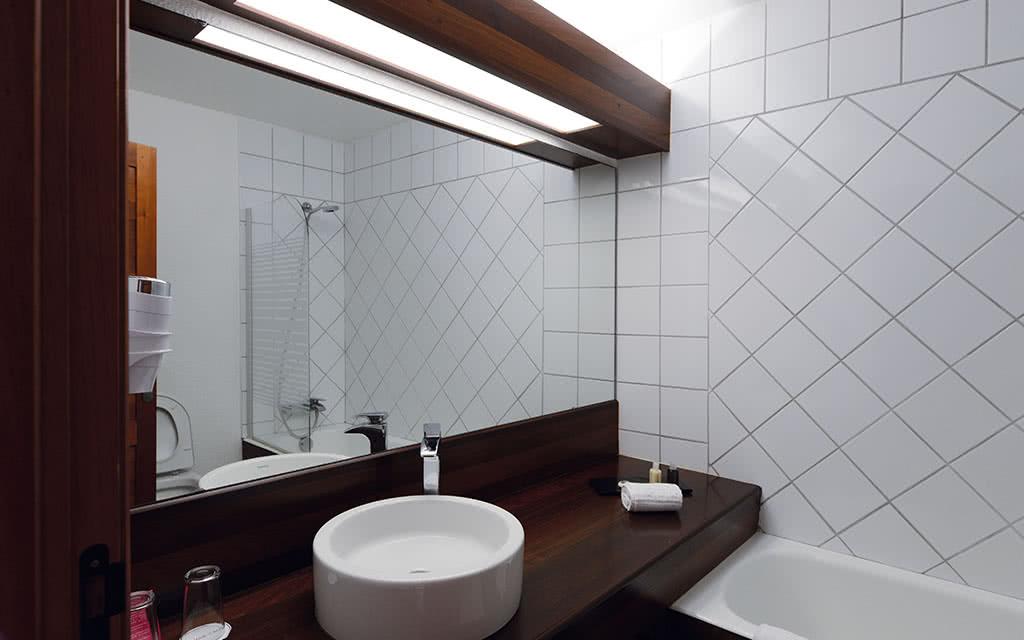 16-gua-creolebeach-room03