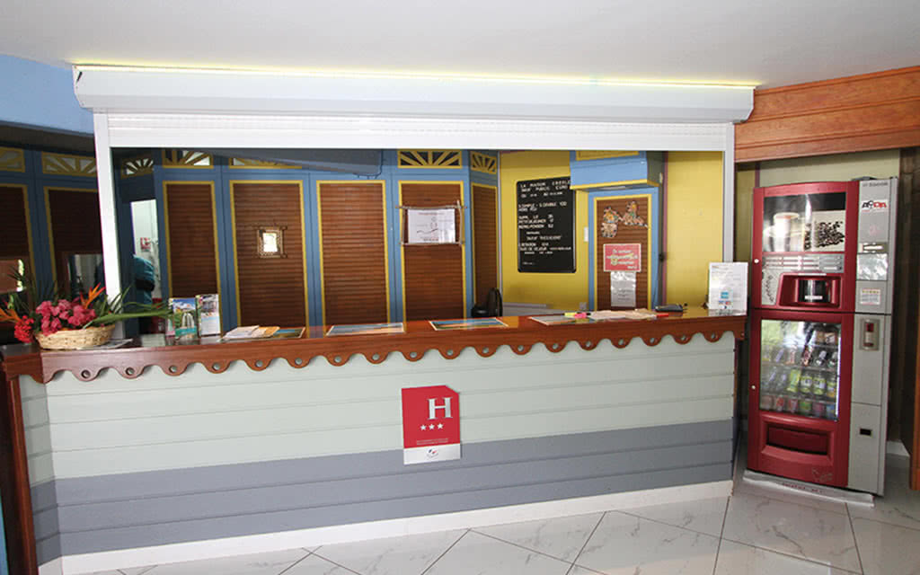 H tel maison cr ole 3 promo voyage guadeloupe s jour for Hotel maison