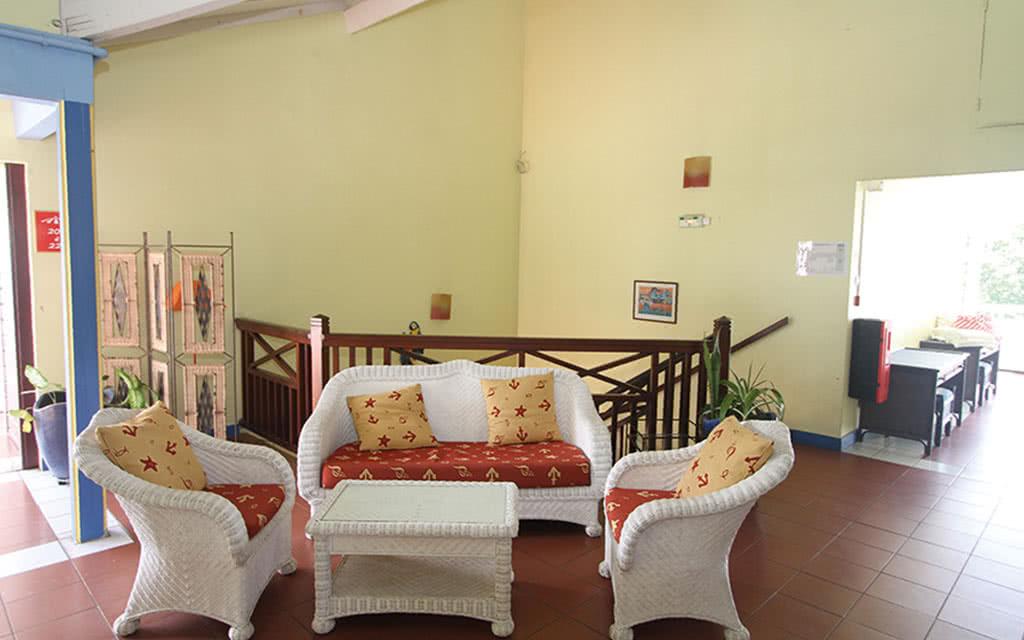 16 maison creole salon etage