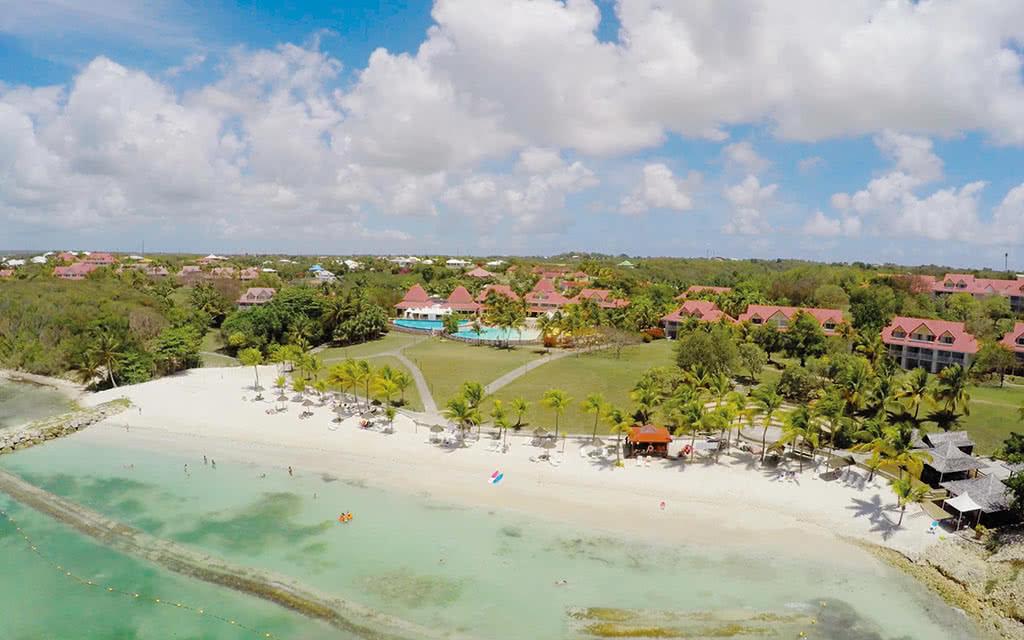 Village Pierre & Vacances Sainte-Anne Guadeloupe - Location de voiture incluse