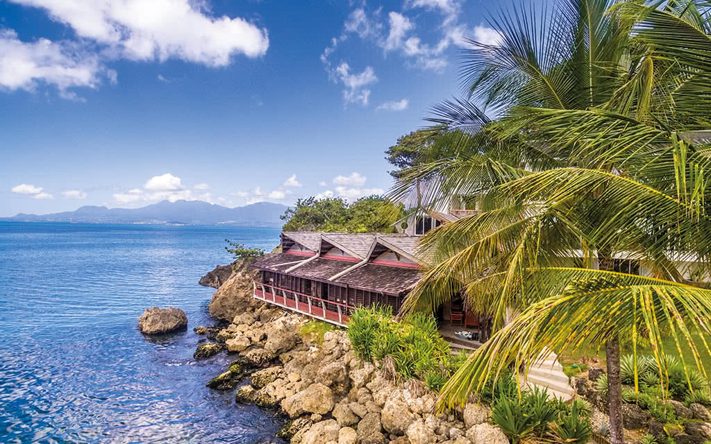 18-mahogany-guadeloupe-creole-beach-a-brusini-zawag-restaurabt