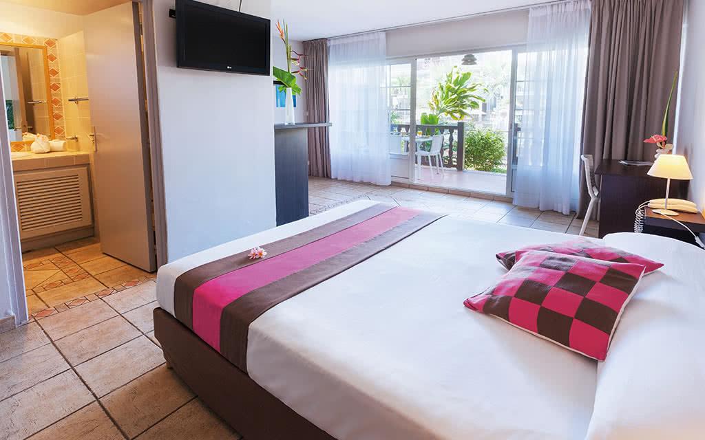 16-lescreoles-room03