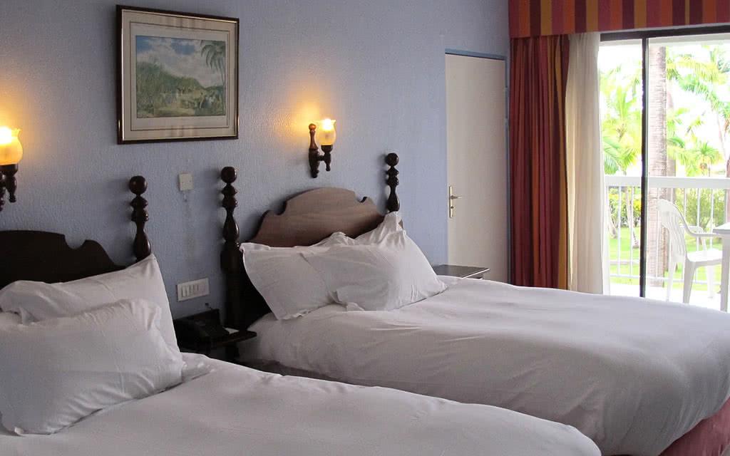 hotel bakoua 4 location de voiture incluse martinique avec voyages leclerc exotismes ref. Black Bedroom Furniture Sets. Home Design Ideas