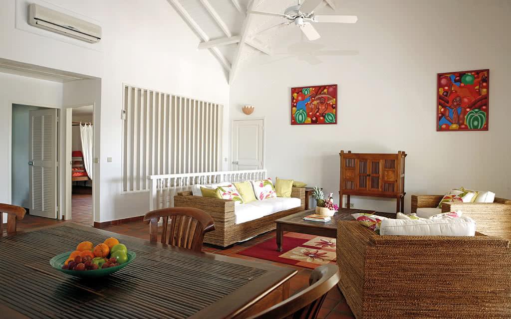 16-sxm-esmeralda-deluxe-suite-living-room