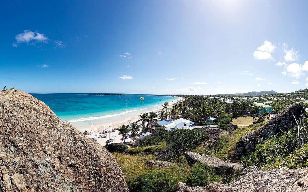 16-sxm-esmeralda-orient-bay-beach