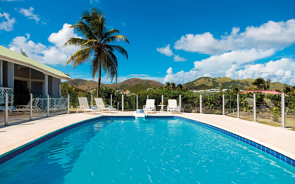 16-sxm-esmeralda-pool-and-villa
