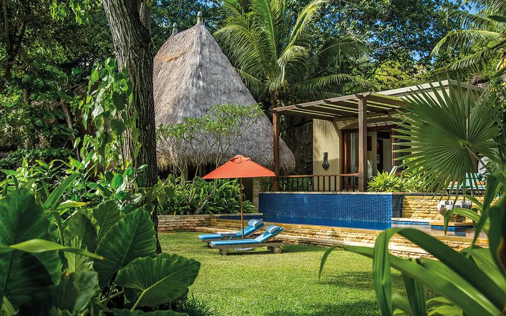 17-32-maia-signature-villa-garden