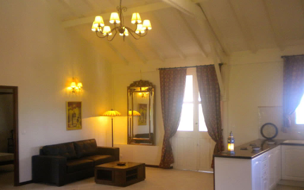 salon suite suite lounge