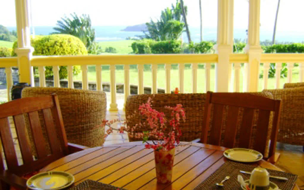 table petit dejeuner   breakfast table