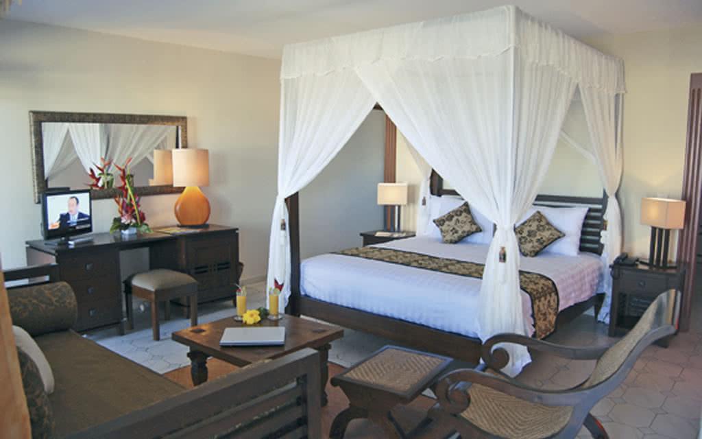 09 plantationr room1