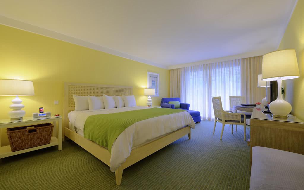 14-sh-sxm-radisdeluxe-guest-room
