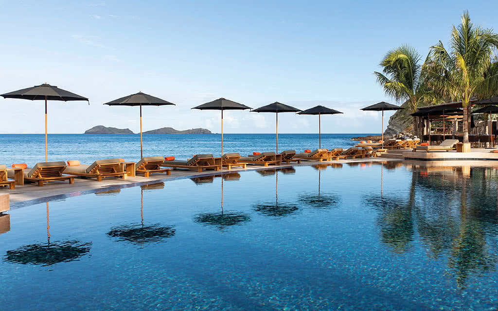 Christopher St Barth 5 *