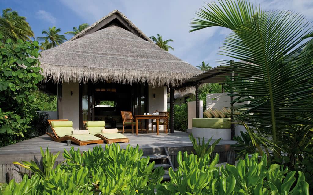 14 cocoboduhithi island villa (6)(1)
