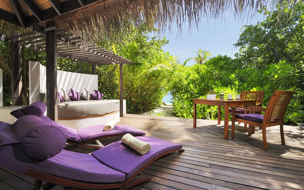 14 cocoboduhithi island villa 21)
