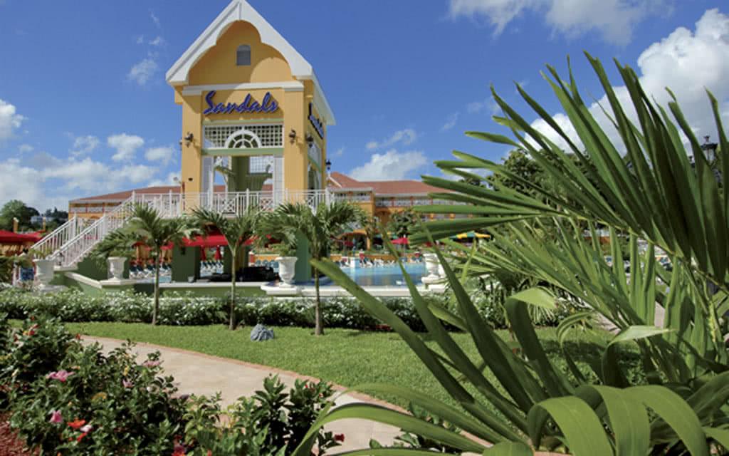 Sandals grande riviera beach villa golf resort 5 nl sejour jamaique avec voyages auchan - Villa de reve pineapple jamaique ...