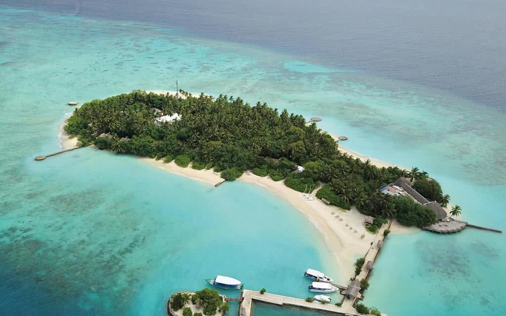 Makunudu Island ****