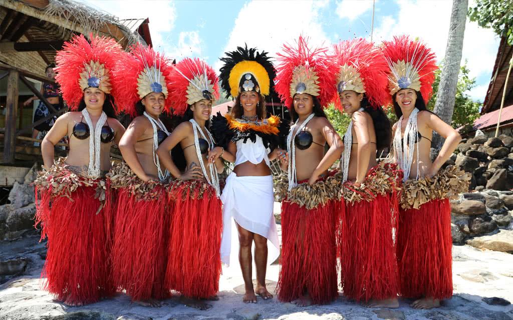 Moorea - Cérémonie HERENUI ROYALE DE LUXE au Tiki Village