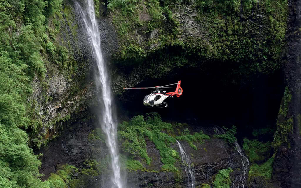 Survol en hélicoptère : Au coeur des cascades